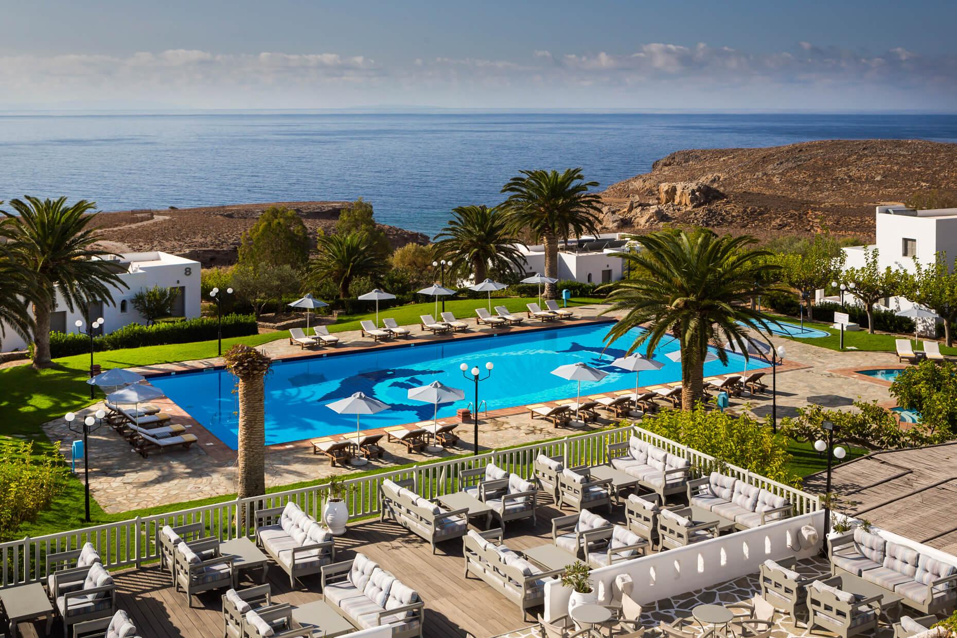 https://www.vritomartis.fr/wp-content/uploads/vritomartis-nudist-resort-pool-6.jpg